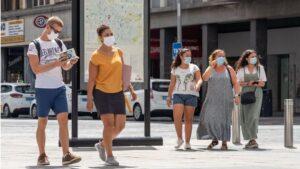 Turistas en Sevilla. coronavirus mascarillas