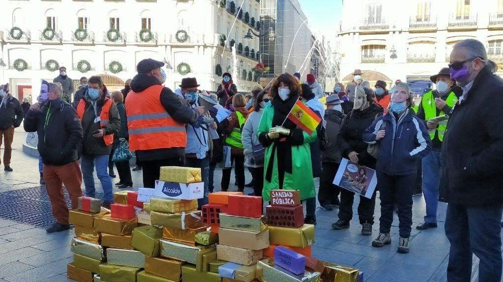 Manifestación en Sol del colectivo 'Juntos por la Pública'