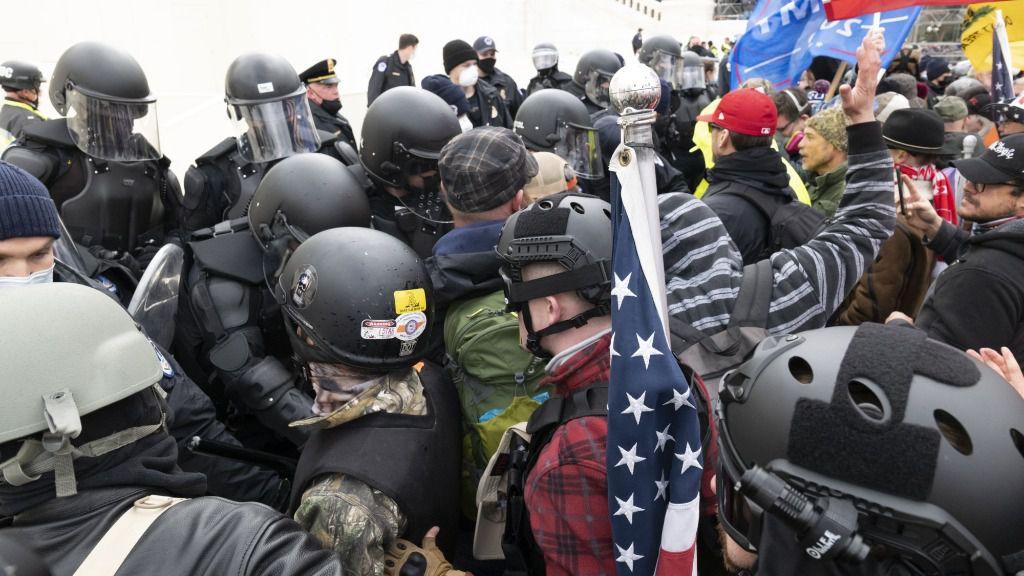 Manifestantes a favor de Trump cerca del Capitolio
