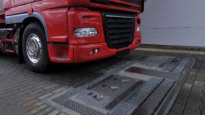 Neumáticos de un camión
