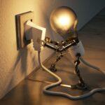 La electricidad desbanca a Internet como el servicio con el que más descontentos están los españoles