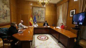 La ministra de Trabajo, Yolanda Díaz, se reúne con los agentes sociales para abordar los planes en materia laboral