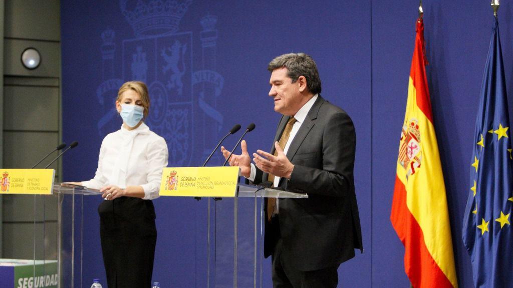 La ministra de Trabajo y Economía Social, Yolanda Díaz, y el ministro de Inclusión, Seguridad Social y Migraciones, José Luis Escrivá