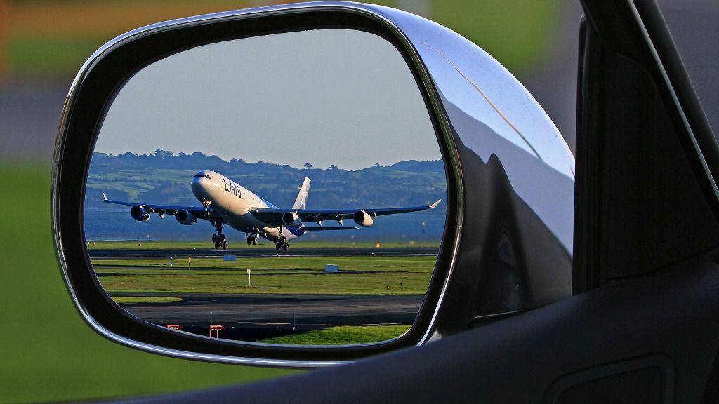 avión aeropuerto coche viaje
