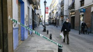 Una calle de Santa Fe (Granada) afectada por los terremotos