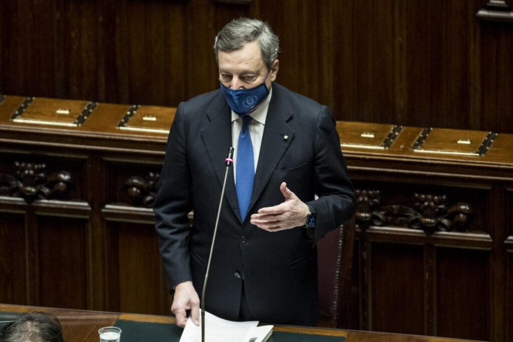 El primer ministro de Italia, Mario Draghi, durante su intervención en la Cámara de Diputados antes de la votación para avalar su gabinete