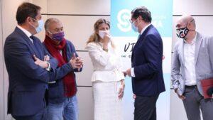 El presidente de CEOE, Antonio Garamendi; el líder de UGT, Pepe Álvarez; la ministra de Trabajo, Yolanda Díaz; el presidente de Cepyme, Gerardo Cuevas; y el líder de CCOO, Unai Sordo