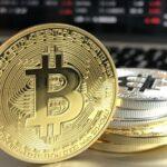 Una empresa de bitcoin compra su propia planta de carbón para 'minar' la criptomoneda