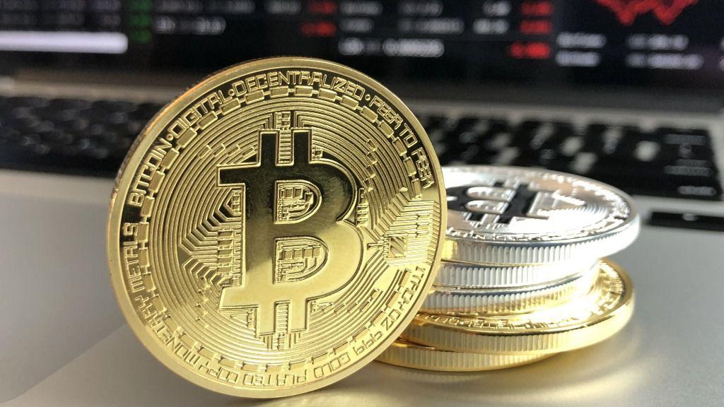 El bitcoin se acerca a los 30.000 dólares y aviva el temor a una venta masiva
