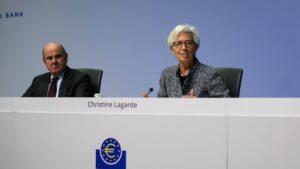 La presidenta del BCE, Christine Lagarde, y el vicepresidente, Luis de Guindos