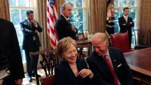 La excandidata presidencial estadounidense Hillary Clinton y el exvicepresidente de Estados Unidos Joe Biden