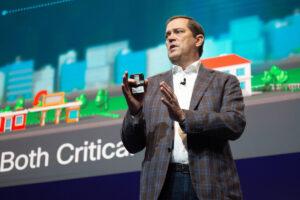 El consejero delegado de Cisco Chuck Robbins
