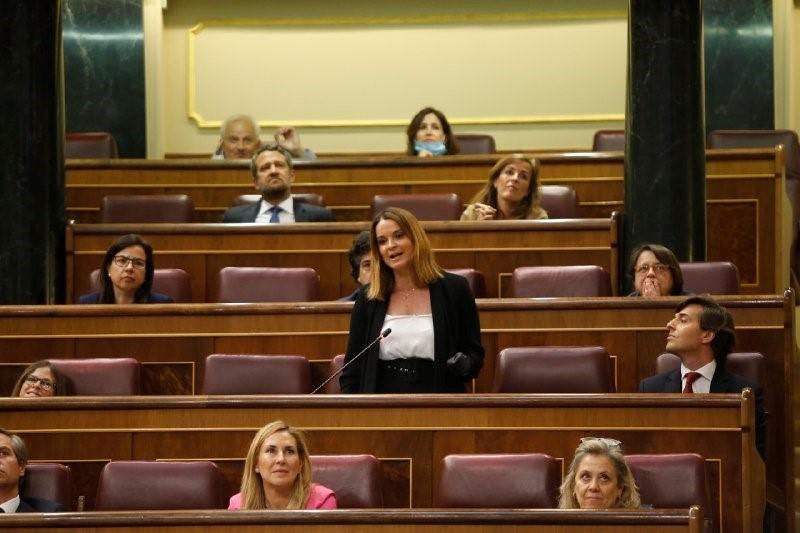 La diputada del PP, Margarita Prohens, en una sesión de control en el Congreso