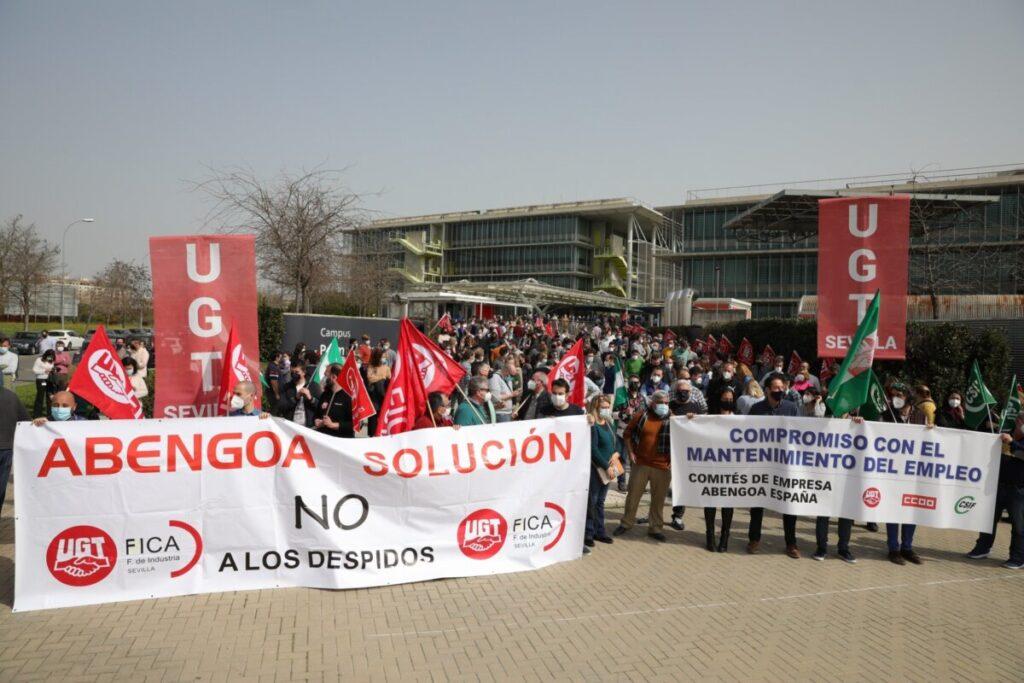 Manifestación en Palmas Altas de los trabajadores de Abengoa