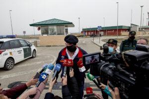 El excomisario José Manuel Villarejo ofrece declaraciones a los medios tras salir de la cárcel de Estremera