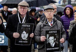 Familiares de las víctimas del Ejército británico durante el Domingo Sangriento, el 30 de enero de 1972 - Liam Mcburney/PA Wire/dpa