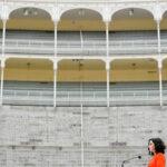 Ayuso monta una corrida en Las Ventas el último día de campaña para ayudar al sector taurino