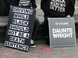 Protestas por la muerte de Daunte Wright cerca de Mineápolis, en Minesota