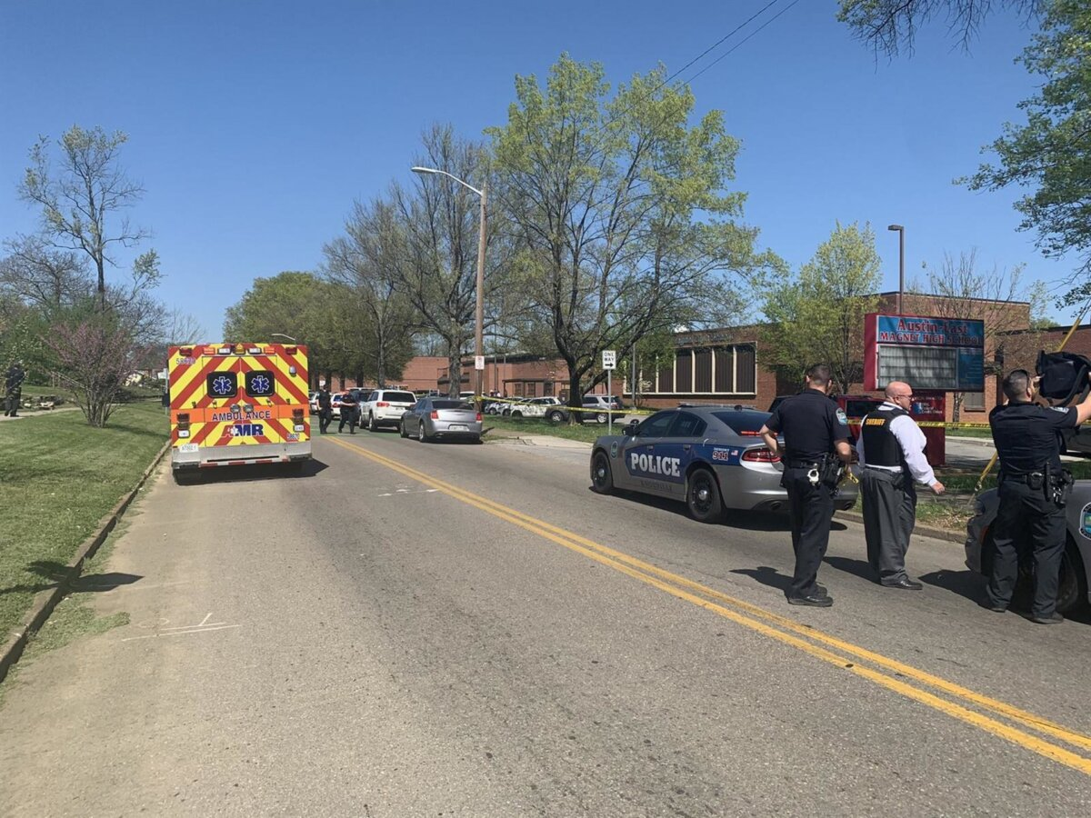 Policía en Knoxville, Tennessee, Estados Unidos - POLICÍA DE KNOXVILLE, TENNESSEE