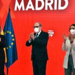 El candidato del PSOE a la Comunidad de Madrid, Ángel Gabilondo, junto a la 'número dos' de la candidatura, Hana Jalloul, y la ministra Reyes Maroto.