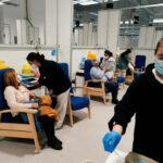 La sanidad privada vacunará con Moderna en Madrid a pacientes de alto riesgo