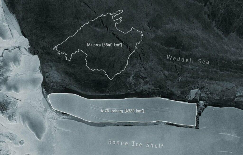 Iceberg A-76 desprendido de la plataforma de hielo de Ronne, con la isla de Mallorca dibujada al lado como referencia. / ESA