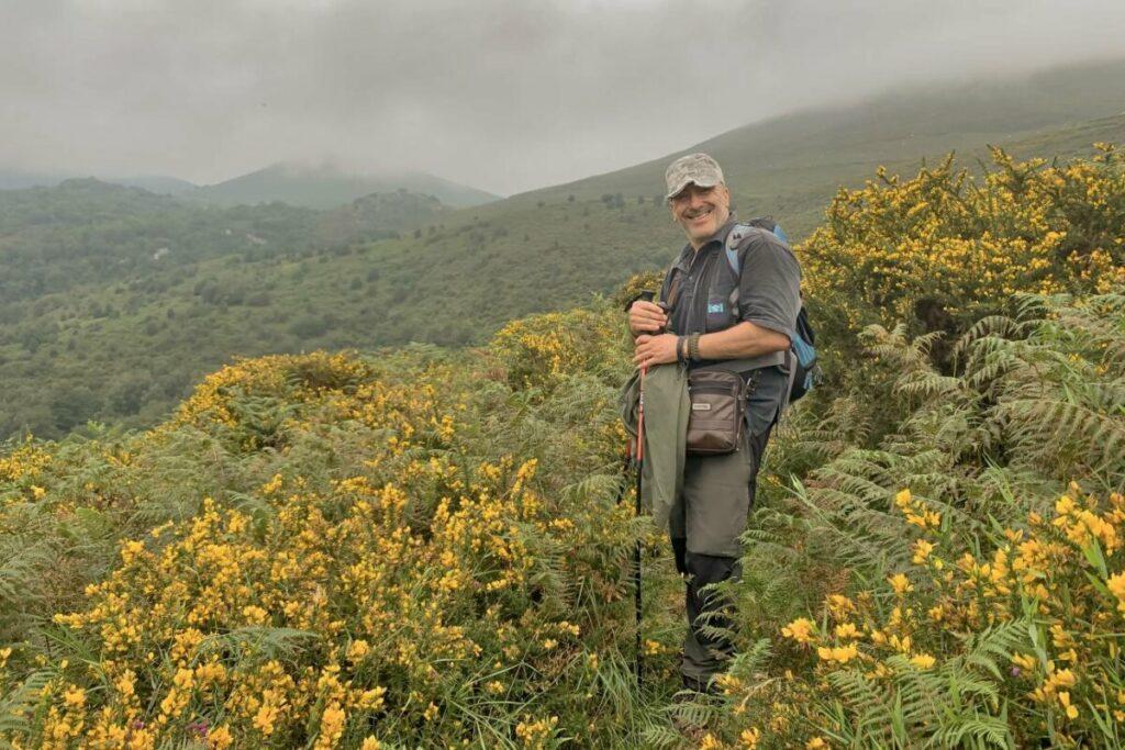 Ángel M. Sánchez, investigador de la Universidad de Alcalá de Henares, durante un estudio de campo en Asturias. / Foto cedida por el autor