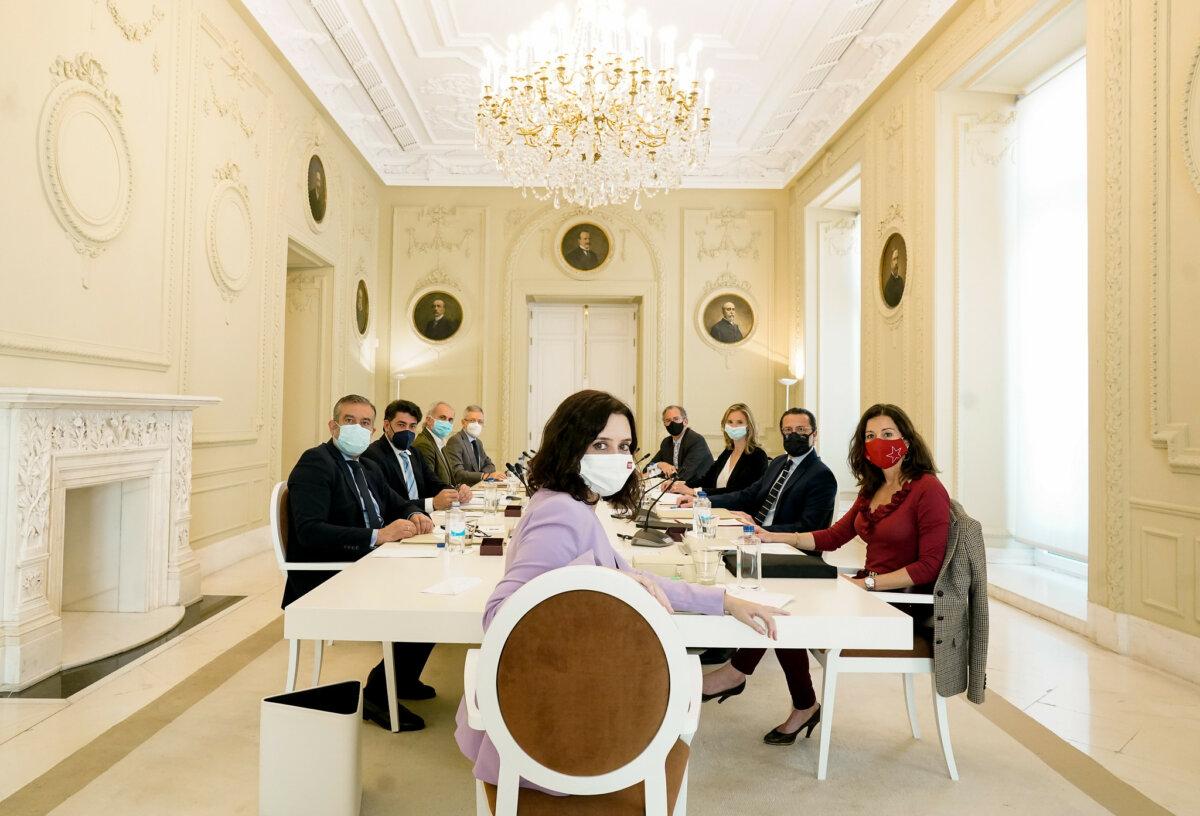 Isabel Díaz Ayuso preside una reunión del Consejo de Gobierno de la Comunidad de Madrid.