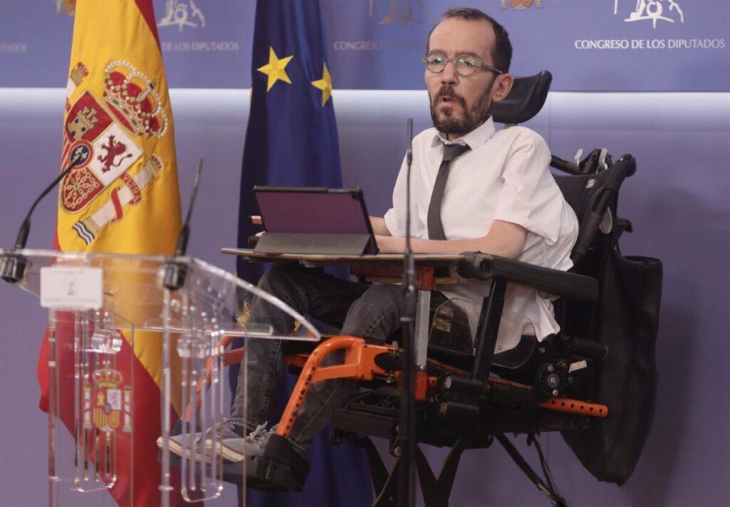 Unidas Podemos advierte a Transportes que no apoyará peajes en autovías que afecten a la clase media