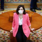 """""""Ayuso desmantela la Atención Primaria"""": la Marea Blanca protesta contra los recortes en sanidad"""