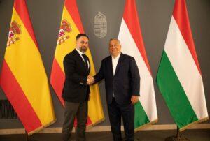 El presidente de Vox, Santiago Abascal, y el primer ministro húngaro, Viktor Orbán. - VOX - Archivo
