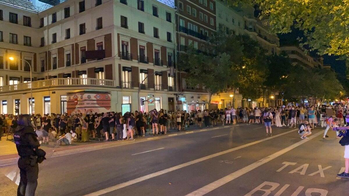 Cargas policiales en Argüelles tras la concentración por el asesinato de Samuel. - EUROPA PRESS