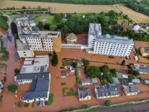 Vista aérea de una zona de Renania del Norte-Westfalia afectada por las inundaciones - Sebastian Schmitt/dpa