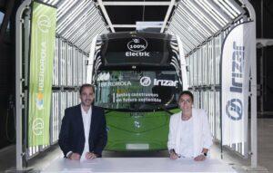 Acuerdo de Iberdrola e Irizar para el transporte de autobuses sostenible - IBERDROLA