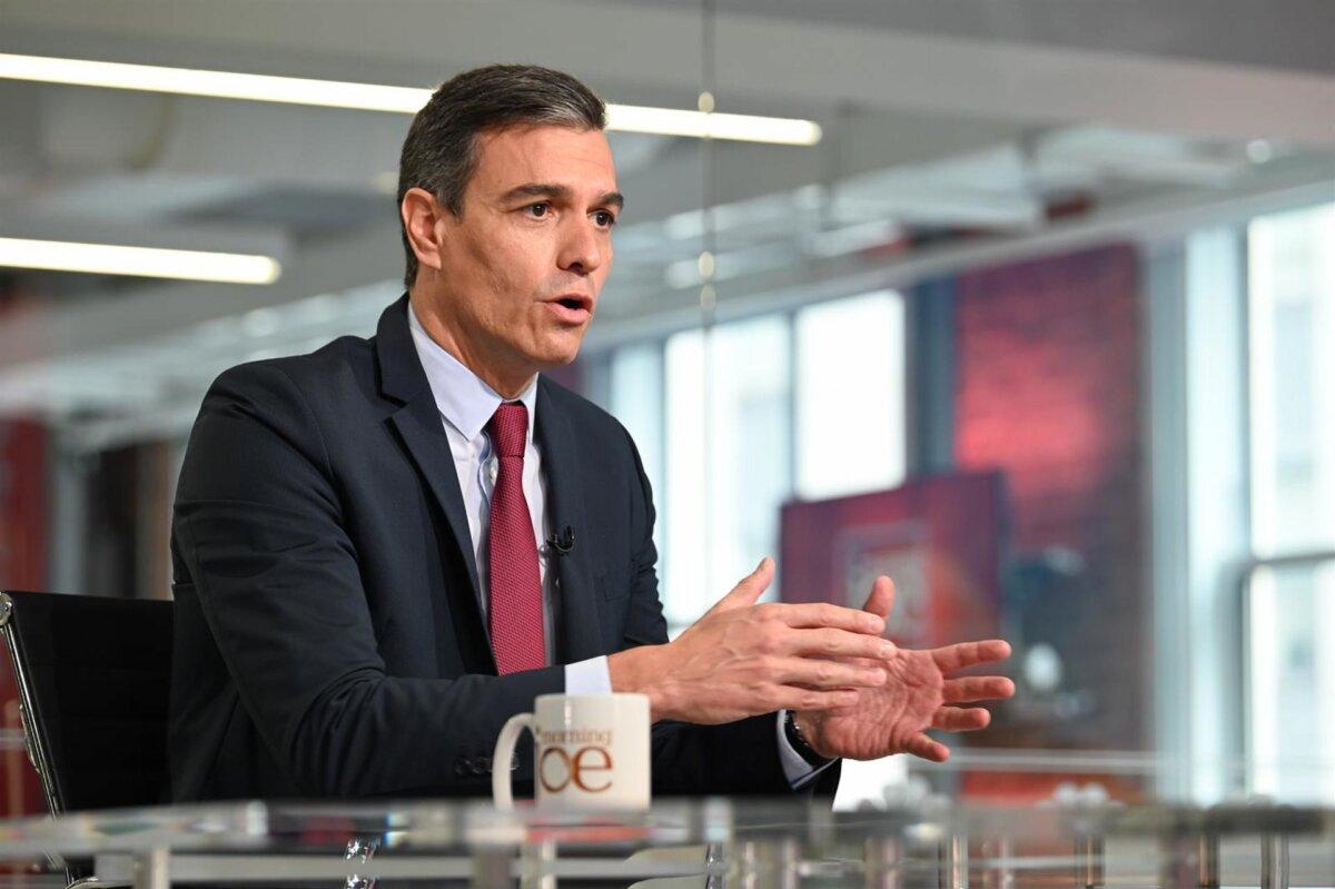 El presidente del Gobierno, Pedro Sánchez, durante la entrevista en el programa 'Morning Joe', en MSNBC. - MONCLOA