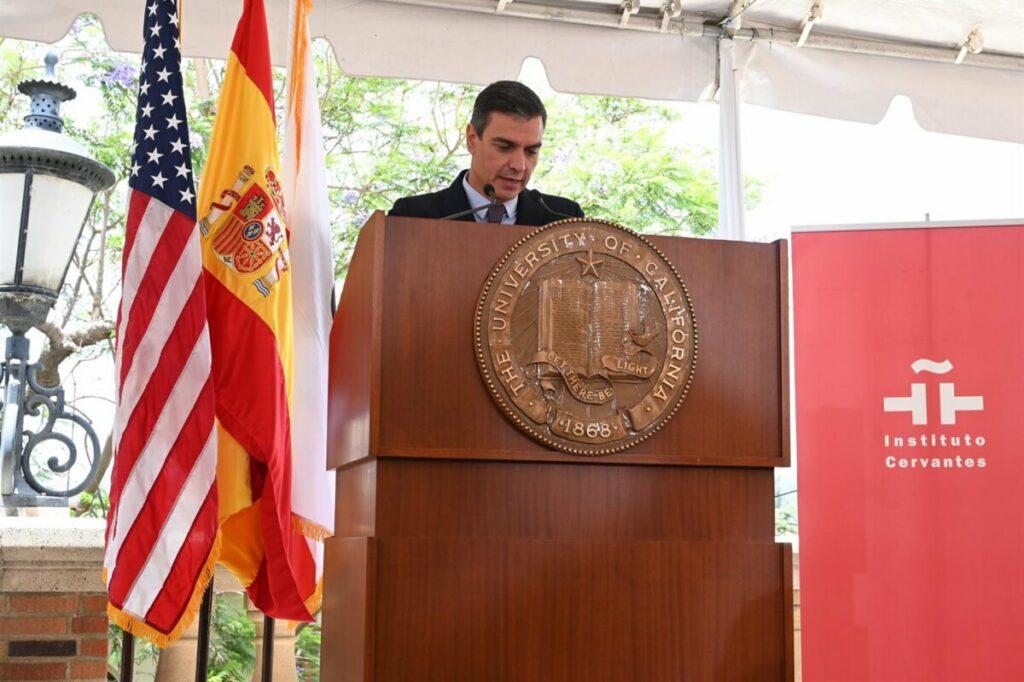 El presidente del Gobierno, Pedro Sánchez, en la UCLA - POOL MONCLOA/BORJA PUIG DE LA BELLACASA