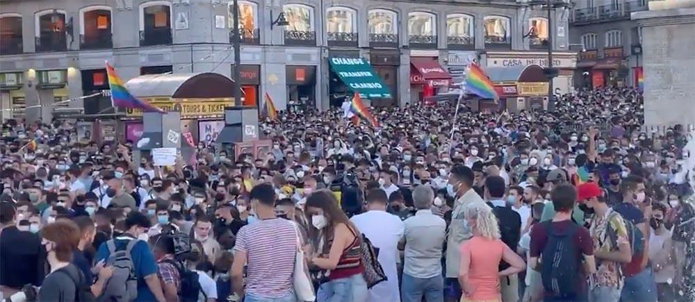 Manifestación en la Puerta del Sol de Madrid contra el asesinato de Samuel