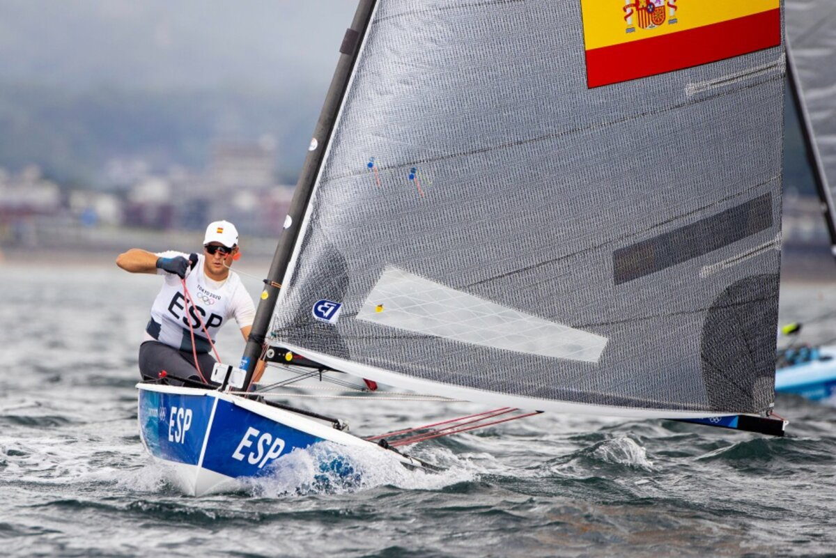 El regatista español Joan Cardona en los Juegos Olímpicos de Tokio - SAILINGSHOTS/RFEV