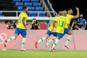 Los jugadores de Brasil celebran el 0-1 de Cunha en la final ante España de los Juegos Olímpicos de Tokio - Rodrigo Reyes Marin/ZUMA Press W / DPA