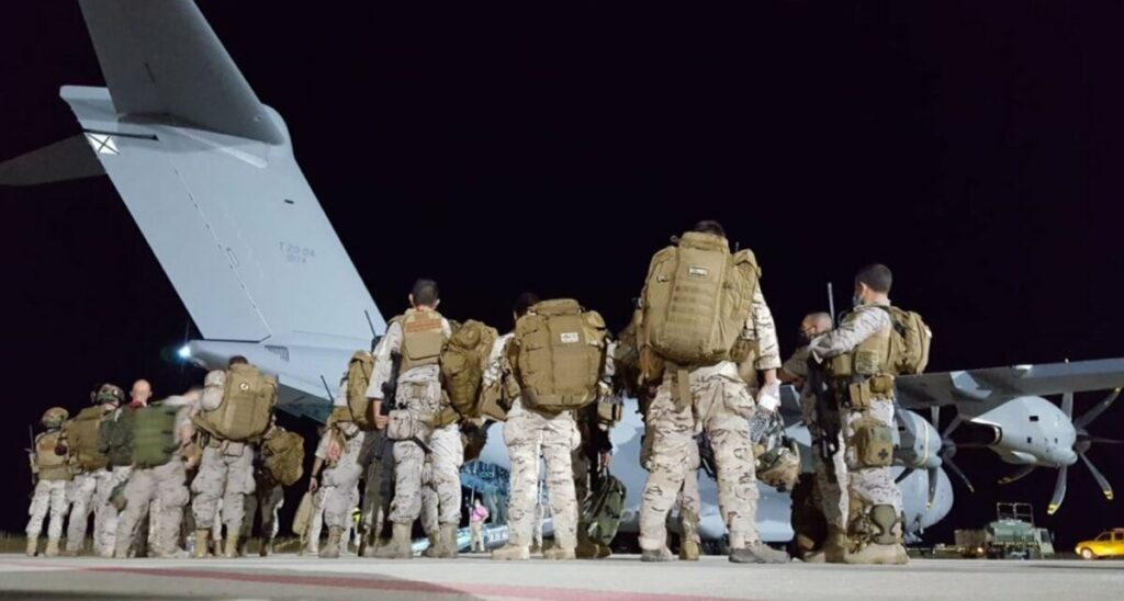 Despega el primer avión desde Zaragoza para la repatriación de españoles de Afganistán. - DEFENSA
