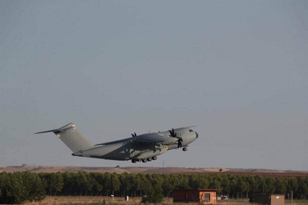 El avión A400M de las fuerzas armadas españolas, despega de Dubái a Kabul para evacuar a los españoles y colaboradores en Afganistán