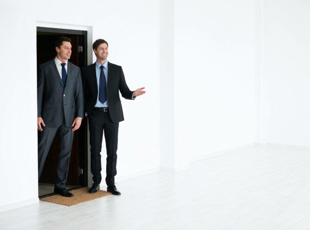 Elba Invest Inmobiliaria: las ventajas de comprar con un agente inmobiliario