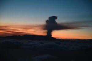 Erupción del volcán de La Palma. - Pool Moncloa/Borja Puig de la Bellacasa