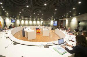 Representantes de Trabajo, CCOO, UGT, CEOE y Cepyme reunidos este miércoles para abordar la subida del SMI. - MINISTERIO DE TRABAJO
