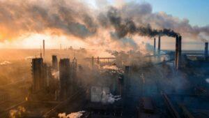 Pocos estudios han investigado el precedente histórico de una transición tan repentina y radical de reducción de emisiones, especialmente en lo referente al declive de las tecnologías intensivas en carbono. / © Adobe Stock