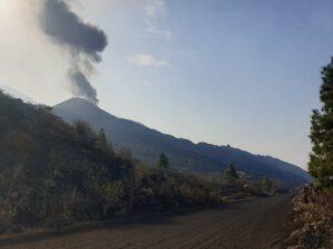 El cono principal del volcán de Cumbre Vieja vuelve a emitir lava - INVOLCAN