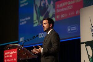 El ministro de Consumo, Alberto Garzón, en la clausura del VII Foro Global del Pacto de Políticas Alimentarias Urbanas de Milán, a 21 de octubre de 2021, en Barcelona, Catalunya (España). - David Zorrakino - Europa Press
